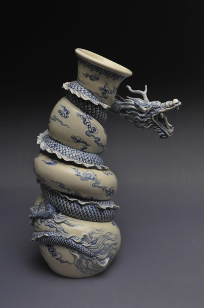 coiled dragon pot