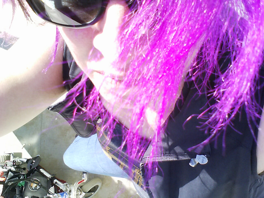 liz-purple-sunglasses